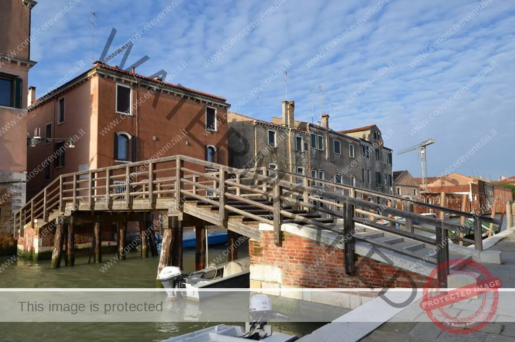 Piscina Sant Alvise Venezia.Ponte Sant Alvise Sul Rio De Sant Alvise Conoscere Venezia